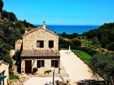 Beautiful country house - very close to the sea with breathtaking view