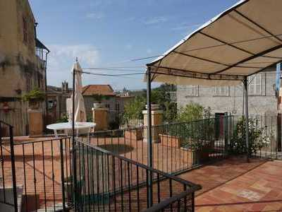 Beautiful 200 sqm with a wonderful terrace in the center of Offidas historical core