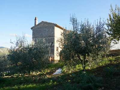 Country house near Cossignano in panoramic position