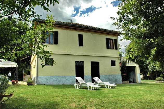 Rilassamento villa in offida for Piani casa padronale